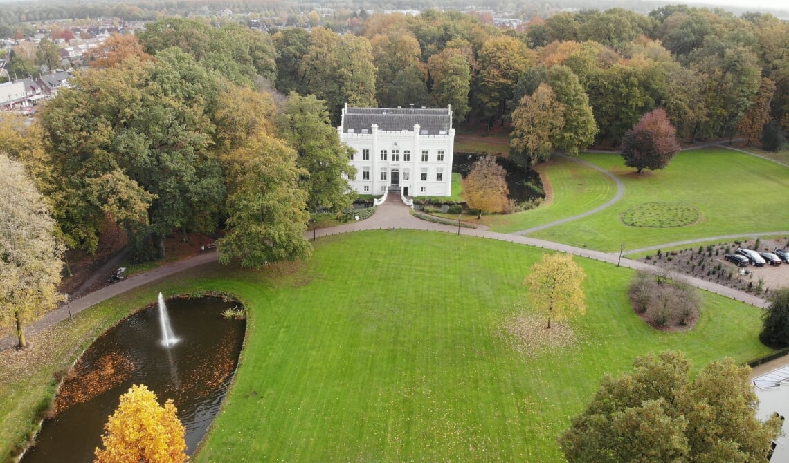 Huize Scherpenzeel drone shot